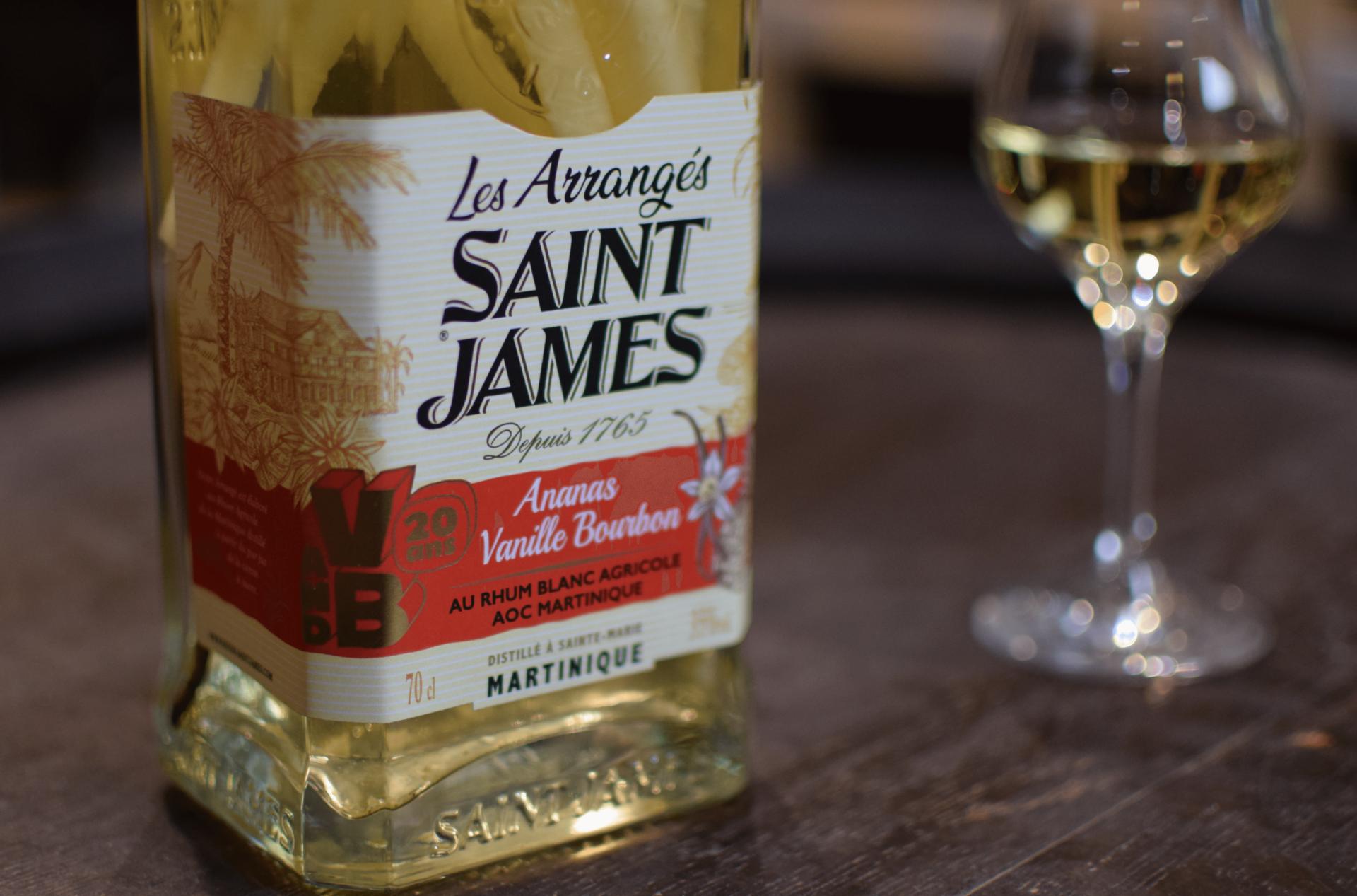 Saint James arrangé ananas vanille Bourbon 20 ans V and B 35%